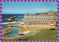 Biarritz - L' Hotel du palais et sa piscine