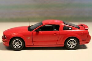 Franklin Mint 2005 Ford Mustang GT in Red...NMIB
