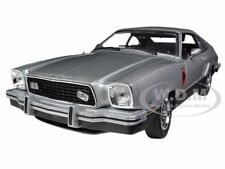 1976 FORD MUSTANG  II STALLION SILVER/BLACK 1/18 MODEL CAR BY GREENLIGHT 12890