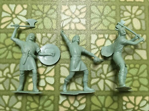 Lot Of Vintage Marx Viking Plastic Figures