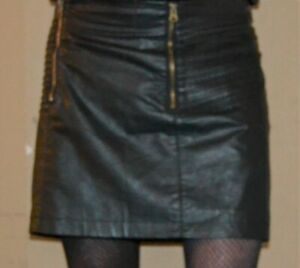 FANTASTIC AND SO SEXY BLACK FAUX LEATHER MINI SKIRT MISTRESS CD/TV
