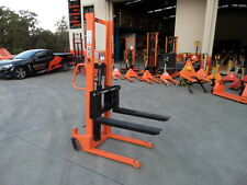 Light Duty Pallet Stacker, Manual pump and drive Narrow ,1000kg/1.6m