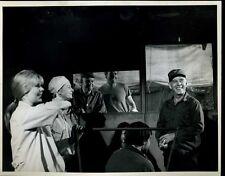 "Harry Morgan Loretta Swit MASH Original 8x10"" Photo #Z105"