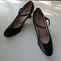 Women's CAPEZIO Shoes Black Leather Student Footlight Character Size 8 N