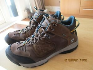 Clarks Active Air Gore-Tex Leather  Boots   Size 6D