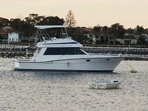 38ft RIVIERA Bluewater Flybridge Cruiser
