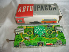VINTAGE 1970'S AUTOTRASSA MOVING CARS RUSSIAN/USSR TIN LITHO WIND UP TOY W/KEY