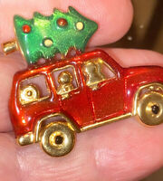 Vintage Unsigned Paquette Christmas Tree on Car Roof Brooch Pin Gold Tone Enamel