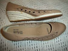 WOMENS LADIES SIZE 9M WEDGE HEEL SHOES BY BEACON BEIGE TAN EMBROIDERED CANVAS