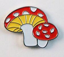 MUSHROOM LAPEL PIN BADGE - TOADSTOOL COUNTRY WILD FOOD WILDLIFE (KT-31)
