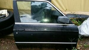 BMW E30  Right door w/ glass, motor & mirror.