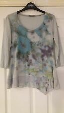 Peruna size 10 flowered top