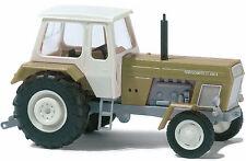 Maquette de voiture Busch TT 8701: Tracteur »Progrès« vert