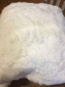 Pottery Barn Teen Medium Faux Fur Bean Bag Cover-IVORY-