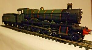 HORNBY TRAINS...A HALL CLASS STEAM LOCO IN EXCELLENT RUNNING ORDER ..SEE DISCRIP