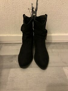 Womend Black Suede Boots Size Uk 3 (k12)