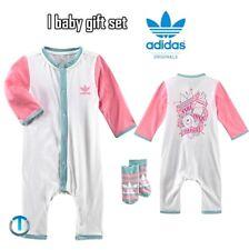 Adidas Baby Geschenk Set Mädchen Strampler + Socken Geburt Body Anzug weiss/pink