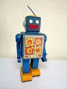 Vintage USSR Walking Robot. Wind up action. Rare Colore Soviet toy!