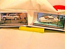 UH 1/43 - LOT DE 2 VEHICULES DE JAMES BOND 007 = 1x LOTUS ESPRIT  +  1x BMW Z8