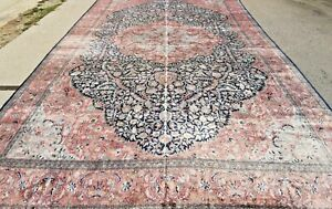Magnificent palace silk-carpet, 610 x 366 cm / 20 x 12 ft. Extremely rare!