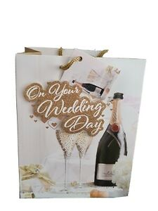 """Gift Bags Medium """"On Your Wedding Day """" Gold Glitter 18x23cm"""