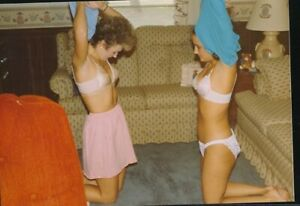 1980s Original Sexy Color Snapshot Photo Two Girls Stripping in Living Room vv