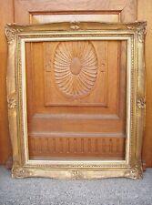 Rare cadre MONTPARNASSE en bois sculpté doré à la feuille -  format 15F