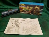 HO Scale Athearn 1552 DOW Chemicals Tank Car #X-38370 Model Train
