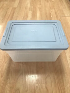 Rubbermaid Storage Container Blue Lid