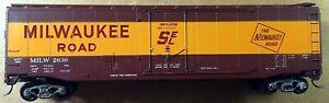 Athearn HO P/N 1330 50' Plug Door Boxcar Milwaukee Road Car Number MILW 2636