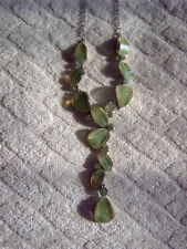 * CLUSTER NECKLACE - SILVER COLOURED METAL - GREEN STONES - DROP DOWN STYLE