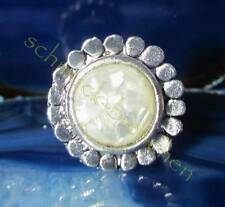 Ring Vintage Style Tibet Silver in the Shape of a Flower Blossom