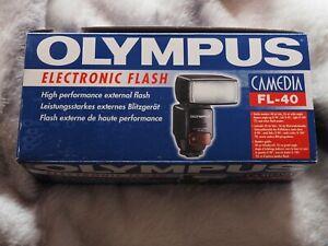 Olympus Camedia  FL-40 Shoe Mount TTL Flash With Bounce & Twist Boxed