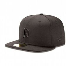 New Era 59FIFTY DETROIT TIGERS Black on Black Cap 5950 MLB Baseball Fitted Hat