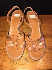 "Arturo Chiang ""Reba"" Leather Slingback Heels Size 7.5 M"