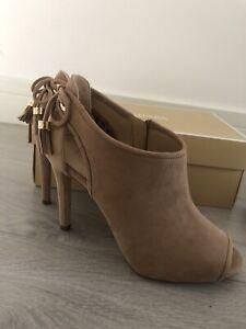 Michael Kors Womens Nude Heels Size 4