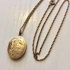 Lovely Ladies Vintage 9 Carat Gold Little Oval Locket Pendant & 9CT Fine Chain