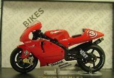 MOTO BIKE YAMAHA YZR M1 #3 MAX BIAGGI 2002 IXO RAB033 1/24 GP ROSSO RED ROT