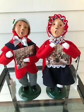 Byers Choice Carolers 2001 Boy and Girl with their Advent Calendars - Mint