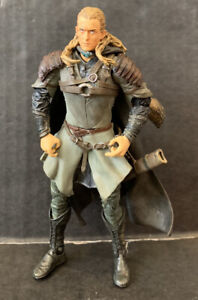 The Lord of the Rings The Two Towers - Legolas with Rohan Armor Action Figure