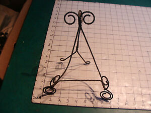 vintage twisted wire plate holder, nice and old, cool, great design.