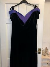 Attirê long Black And Purple velvet evening dress Black size 24 BNWT