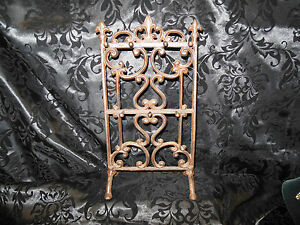 Large Stunning Cast Bronze ( NOT Resin)  Necklace Bracelet Jewelry Stand NWT