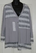 Womens size XXL (18-20) grey and  white stretchy button down top by CLARITY