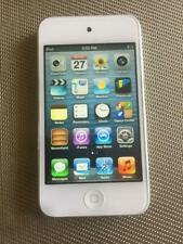 (1) Apple iPod touch 4th Generation White (16 GB) PLUS FREE ACCESSORIES