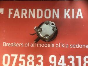 Kia Sedona 2.9 CRDI diesel 1999 to 2006 Genuine Power Steering Pump.