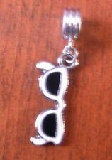 pendentif argenté lunette de soleil  27x12 mm