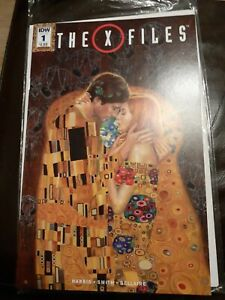 The X-Files / #1 Variant Cover IDW 2016 Harris Smith Bellaire in bag with carboa