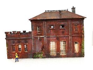 Fabrikgebäude / Industriegebäude TOP MODELL patiniert gealtert 1:87 H0 Diorama