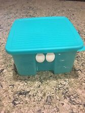 Tupperware Turquoise Aqua Fridge Smart Small Vented Container bx28
